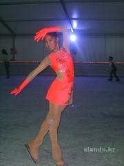 платья , перчатки для фигурного катания, гимнастики