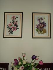 Картины Ветка шиповника и Фиалки в стакане - вышивка