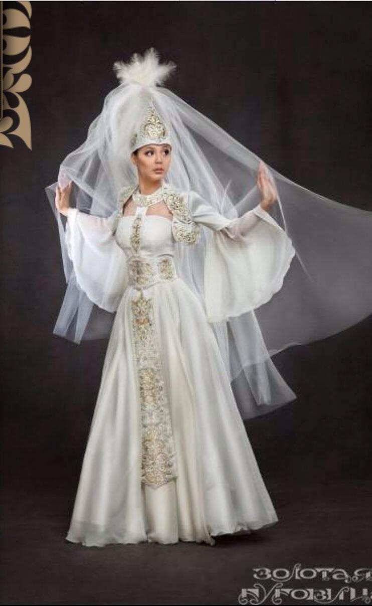 Продам: Свадебное платье с жемчугом и кристаллами Swarovski