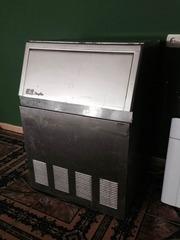 Продам недорого льдогенератор