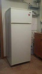 Продам недорого холодильник Минск Атлант. 2-камерный. 8 707 104 87 23