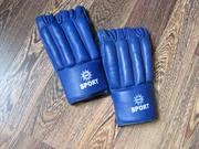 Спортивные перчатки Шингарты кожаные в нормальном состоянии.