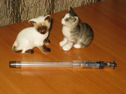 Фарфоровая статуэтка котенок (пара),  состояние отличное,  клеймо ЛФЗ.