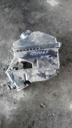 Корпус воздушного фильтра  Toyota 4Runner 215