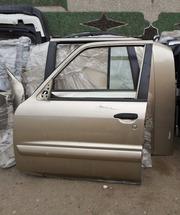 капот на Nissan Patrol Y61