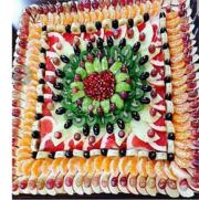 Композиции из фруктов в Алматы