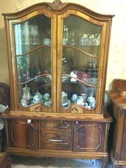 Антикварная мебель б/у,  Столовая,  пр-во Румыния